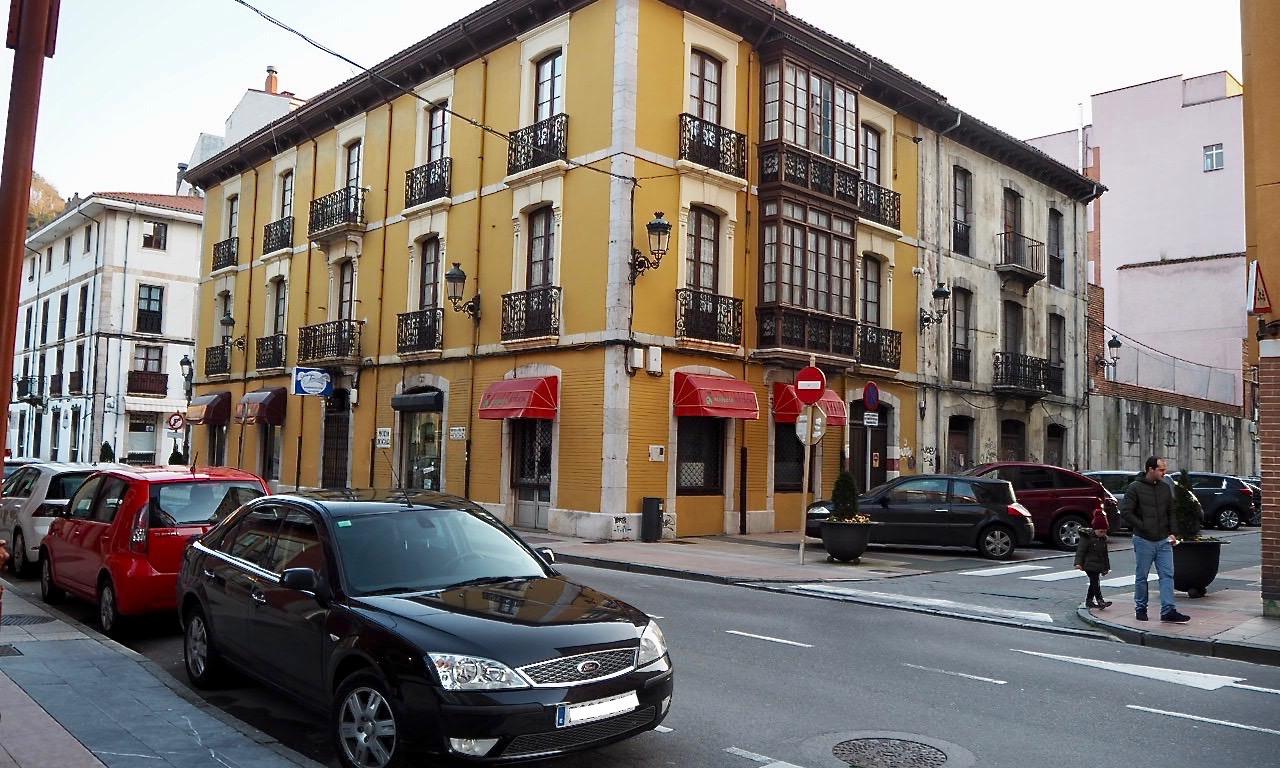 Foro Ribadesella propone convertir en zona azul 55 plazas de aparcamiento de la villa