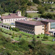 Veinte alojamientos turísticos del oriente de Asturias siguen abiertos como servicios esenciales