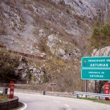 El Estado destina 1,6 millones de euros para reparar el firme de la carretera N-625 en el Desfiladero de los Beyos