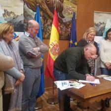 El PP inicia en Panes una campaña de recogida de firmas para que los Picos de Europa sean Patrimonio de la Humanidad