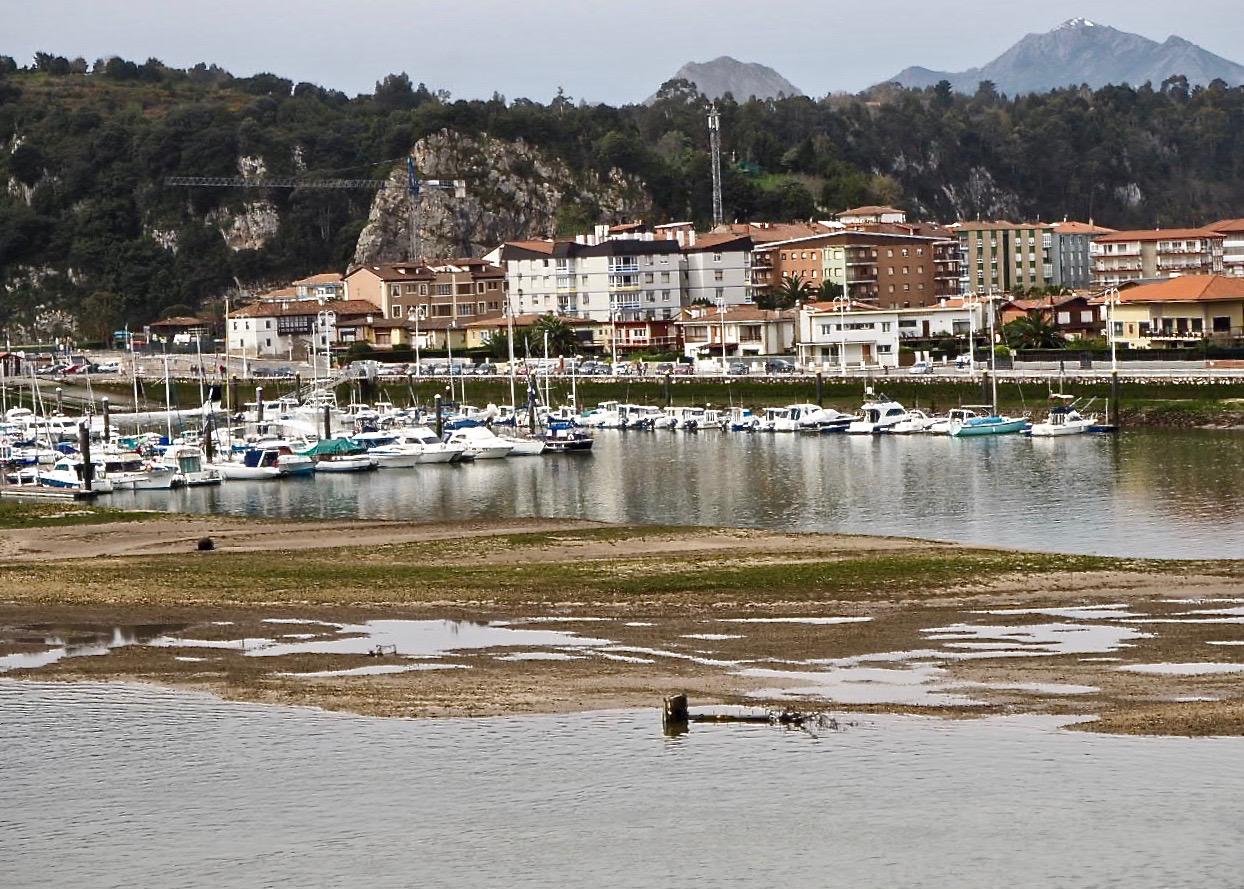El dragado del puerto de Ribadesella tendrá que esperar al no quedar incluido en el programa de 2020