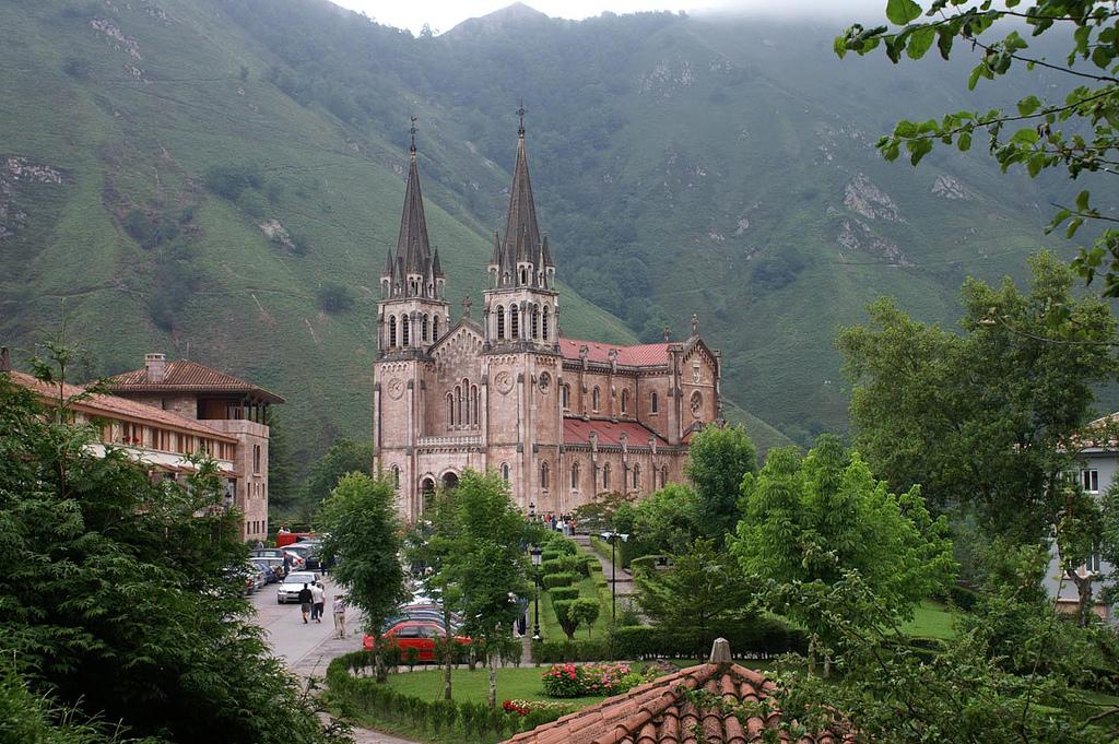 IU pide para Covadonga un plan de accesibilidad similar a Madrid Central y la mejora integral de la N-634