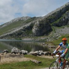 La Clásica Cicloturista Lagos de Covadonga se disputará el 6 de junio con dos distancias a elegir