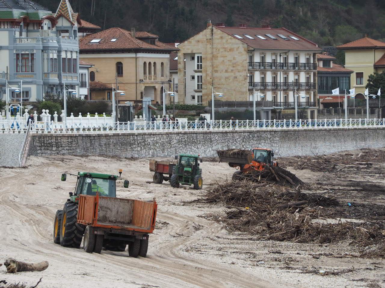 Aplazada una semana la convocatoria de subvenciones para la limpieza de las playas asturianas