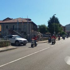 Concentración de motos clásicas en Benia de Onís