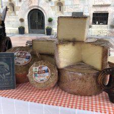 Los quesos artesanos de Asturias dispondrán de una marca conjunta dentro de un año