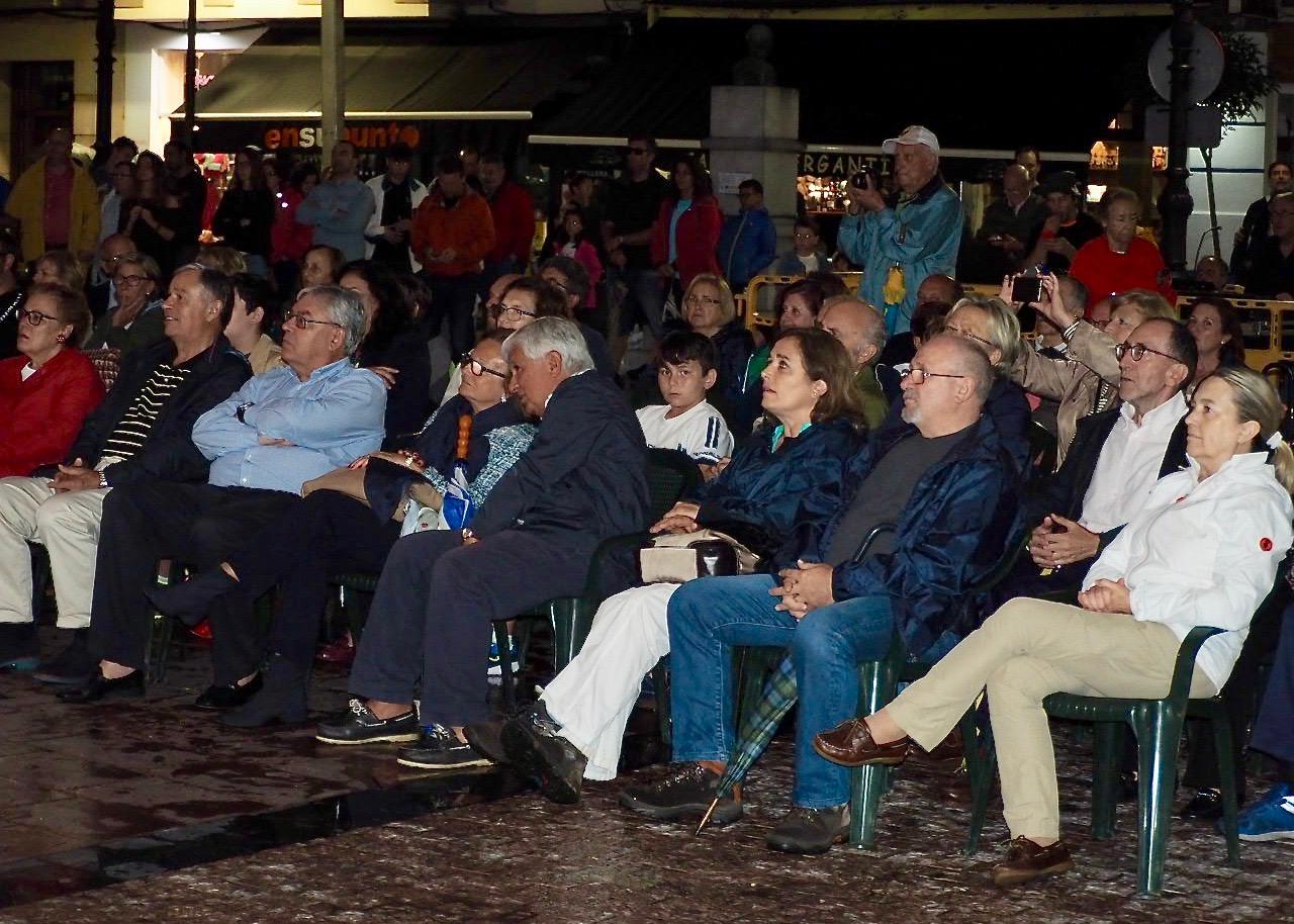 La Banda del Titanic enamora y  sorprende tras su desembarco en Ribadesella