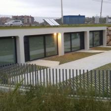 Colombres estrenará las primeras viviendas sostenibles, construidas en cueva de Asturias