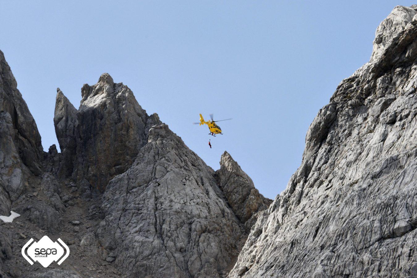 Un senderista resulta herido grave al caer 60m en Santa María de Enol