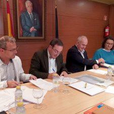 El Oriente de Asturias firma un acuerdo con las áreas sanitarias de Oviedo y Gijón para la derivación de pacientes