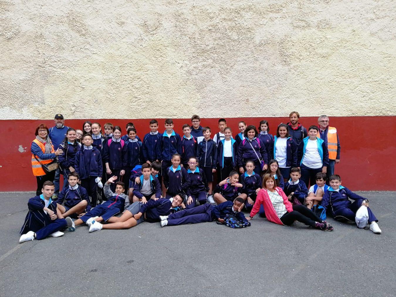 Escolares de Ribadesella recorren el Camino de Santiago con APECAN