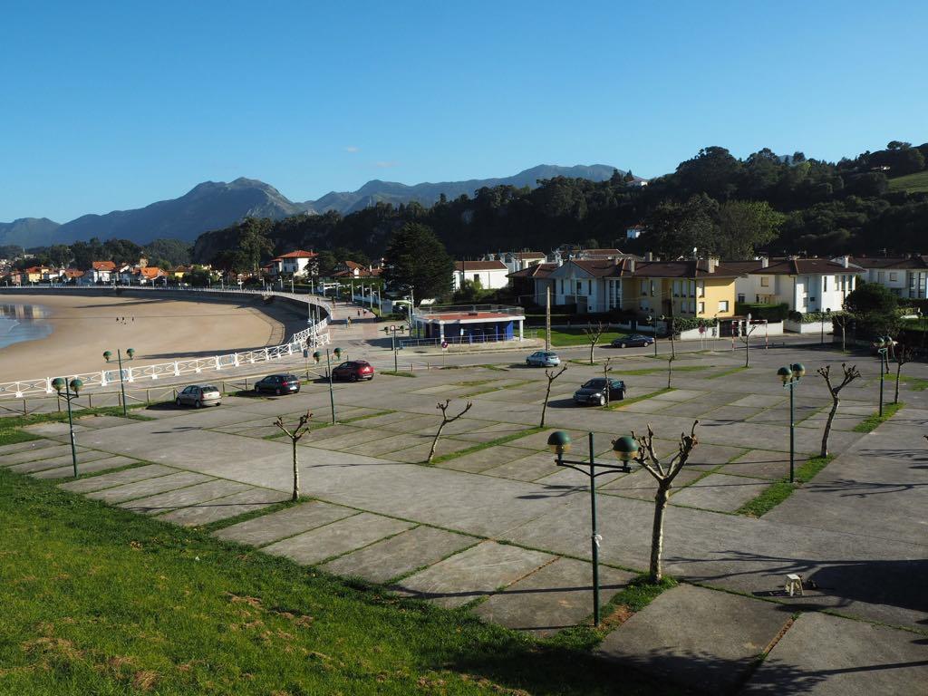 Ribadesella contará con una Zona Naranja de aparcamiento en la playa