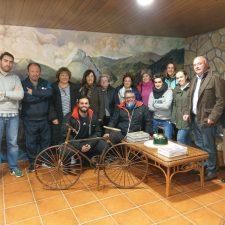 Calurosa acogida en Panes a los integrantes del proyecto 2plega2