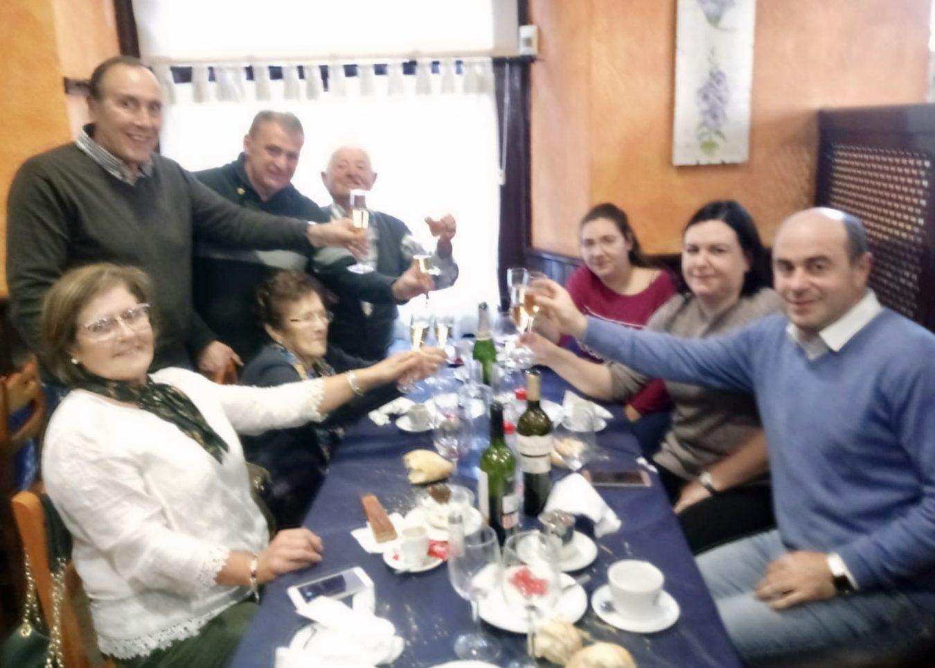 Comida de hermandad en Arriondas con los Paisanos del Año del concejo de Parres