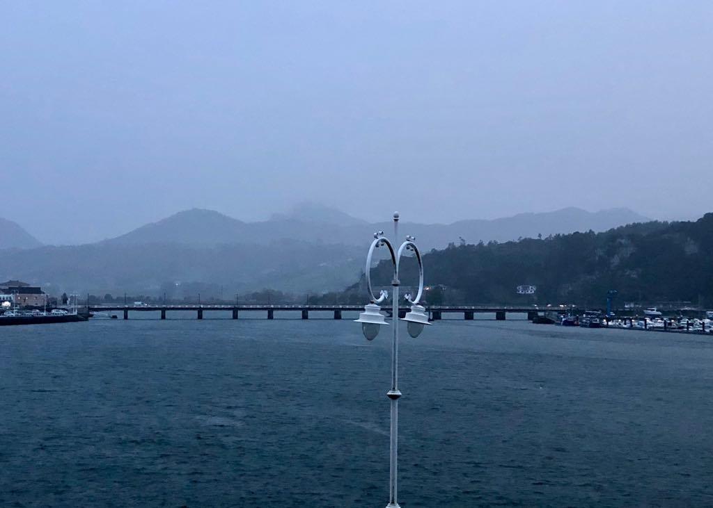 Las lluvias dejan en Asturias hasta 37 litros por metro cuadrado. Riesgo de fuerte oleaje para la noche en la costa oriental