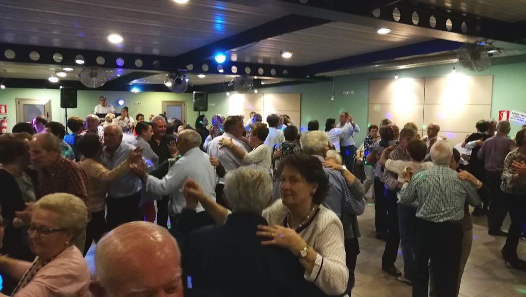 Los Mas Grandes vuelven a llenar con otro baile dominical amenizado por el grupo Da Silva