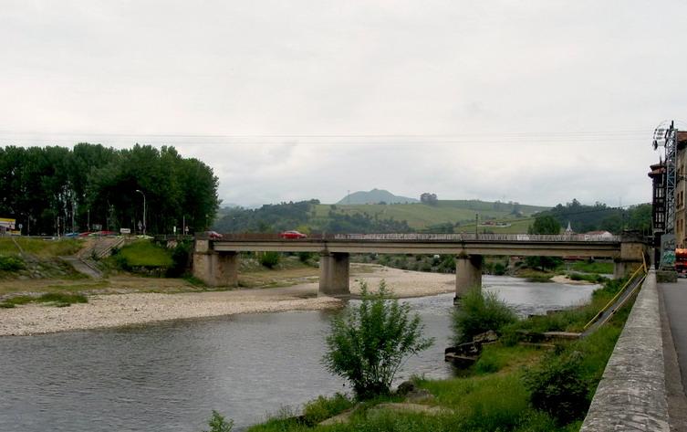 Los Presupuestos del Principado 2019 incluyen 80.000€ para reformar el puente de Arriondas