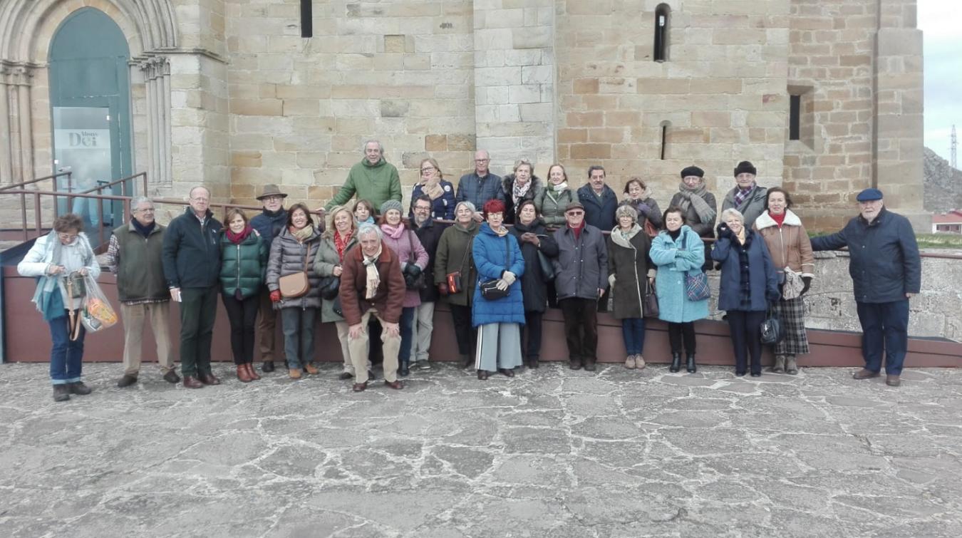 Viaje de los Amigos de Ribadesella a la exposición Las Edades del Hombre en Aguilar de Campoo