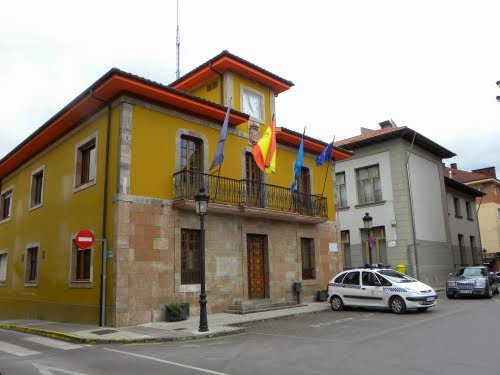 Parres repartirá 38.500 euros de subvención entre las asociaciones y clubes del concejo