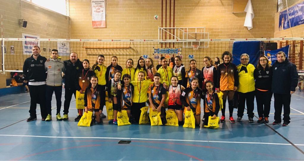 El Club Voleibol Playas de Llanes participa en el Torneo de Navidad de Vallecas
