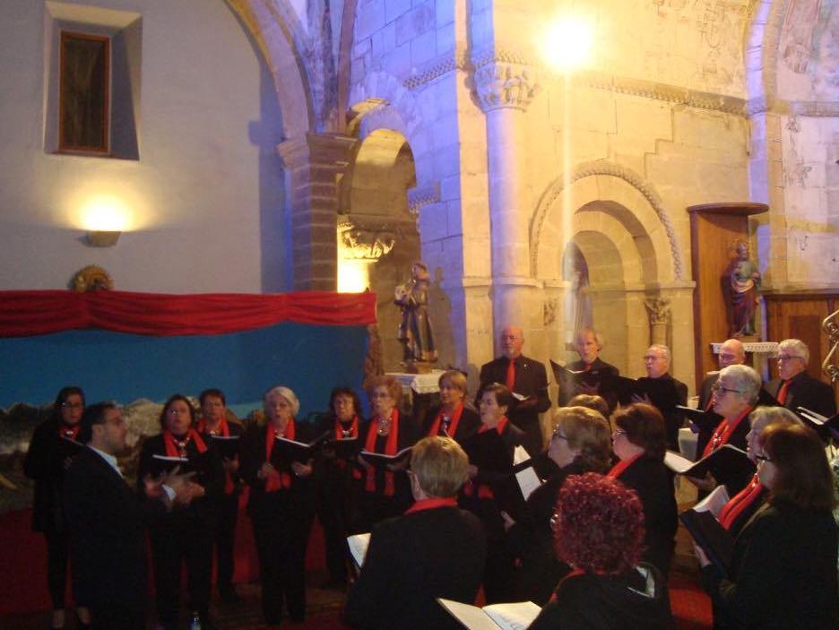 El Coro de Onís actúa en el Ciclo de Conciertos de Navidad del Parador Nacional