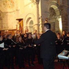 El Coro Peñasanta-Ramón Prada de Cangas de Onís clausura el ciclo de conciertos del Parador Nacional