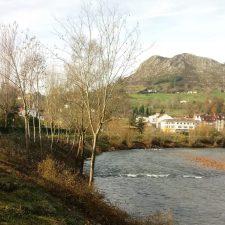 El Ayuntamiento de Parres pone en marcha una campaña de limpieza en los ríos Sella, Piloña y Chicu