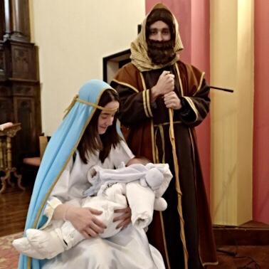 Un Niño Jesús de Garaña anima la Cabalgata de Reyes en Nueva de Llanes