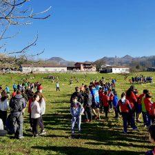 Benia de Onís celebra el 25º Aniversario del CRA Picos de Europa con el cross escolar del oriente de Asturias