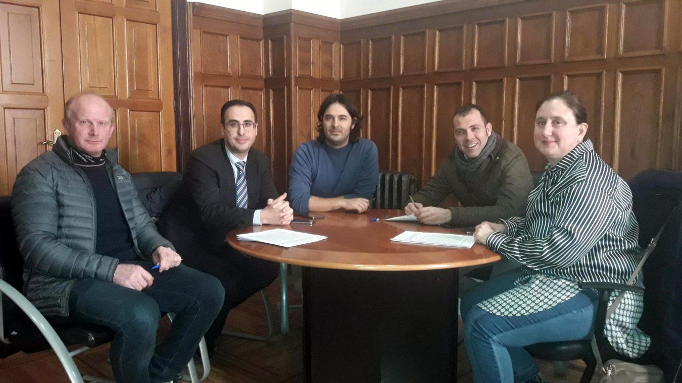 Los ayuntamientos del oriente de Asturias renuevan el convenio de Apoyo a la Familia