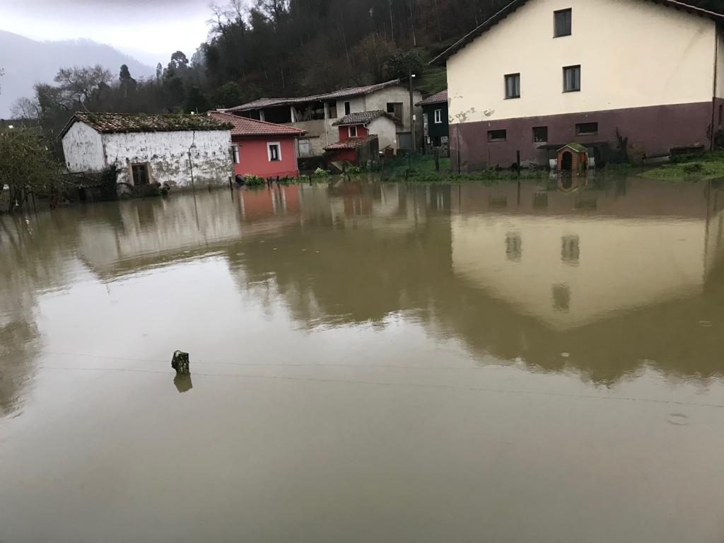 Llueve sobre mojado en Asturias. Mañana mas lluvia y nieve a 800m