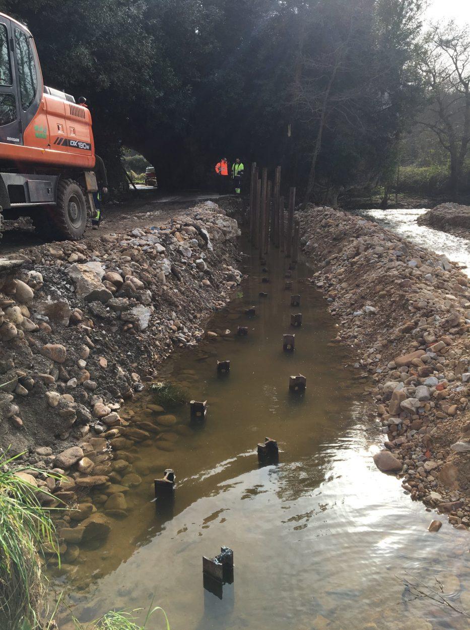 El Principado repara en tiempo récord la carretera de Cuevas del Mar, en Nueva