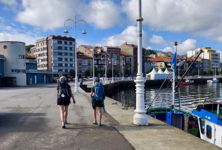 Ribadesella y Llanes podrán agilizar las licencias de obra en espacios urbanos protegidos por el Camino de Santiago