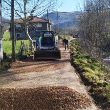 Comienza la reparación del camino de La Carreña en Benia de Onís