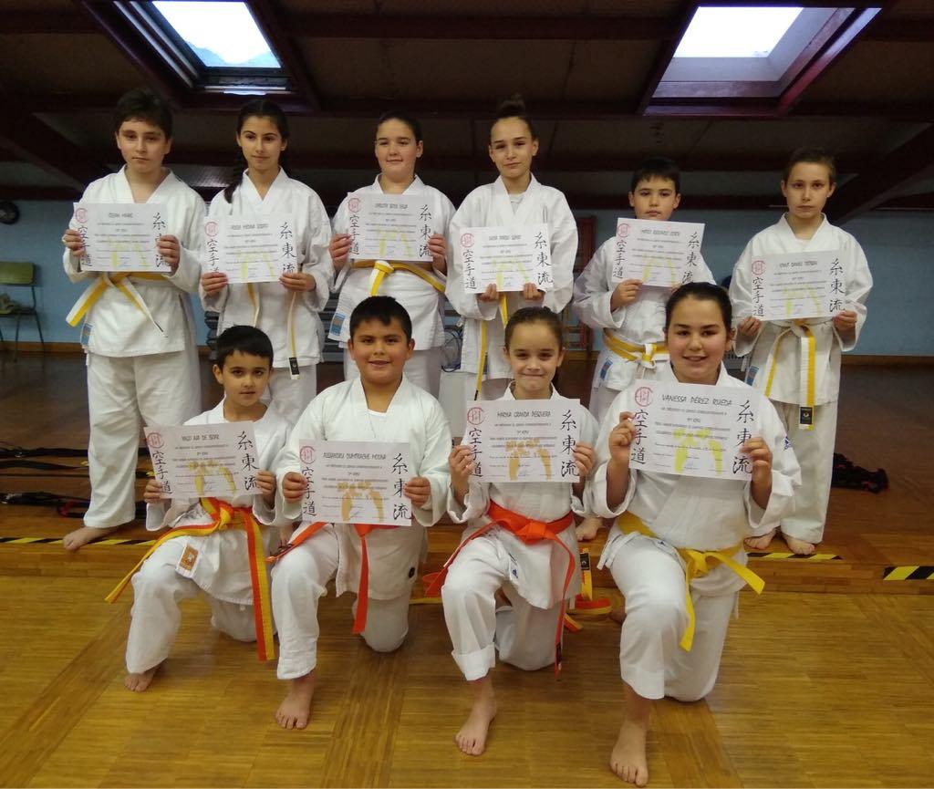 El Club TODE de Arriondas examina a sus karatekas