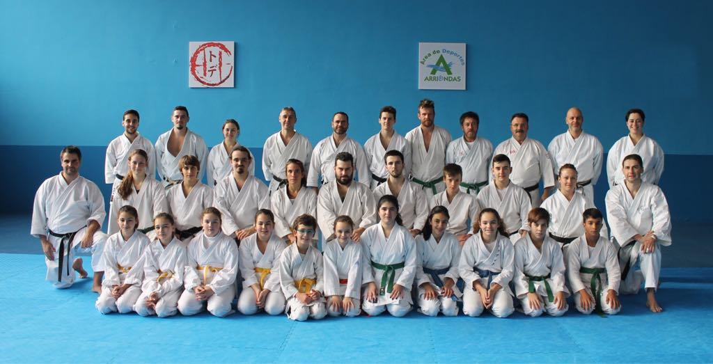 Jesús Latorre dirige otro curso de katas Shitokai en Arriondas