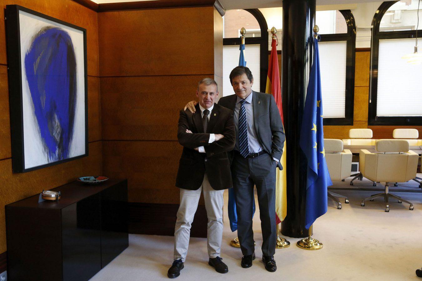 El alcalde de Parres se entrevista con el Presidente del Principado de Asturias