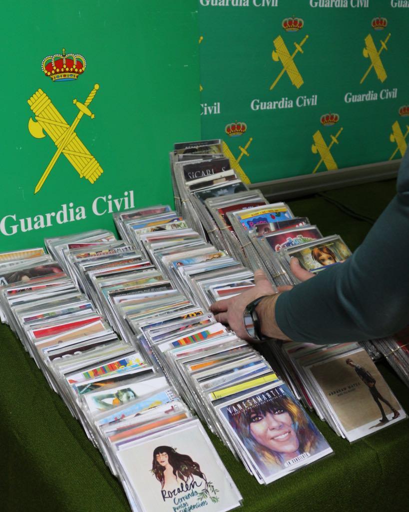 La Guardia Civil incauta material falsificado en Piloña por un valor de 3.000 euros