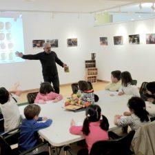 Taller Infantil sobre sidra y manzanas en las Xornaes de la Sidre de Entaína Ribeseya