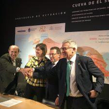 Esta mañana se firmó en Infiesto el convenio para la protección, investigación y difusión de la cueva de El Sidrón
