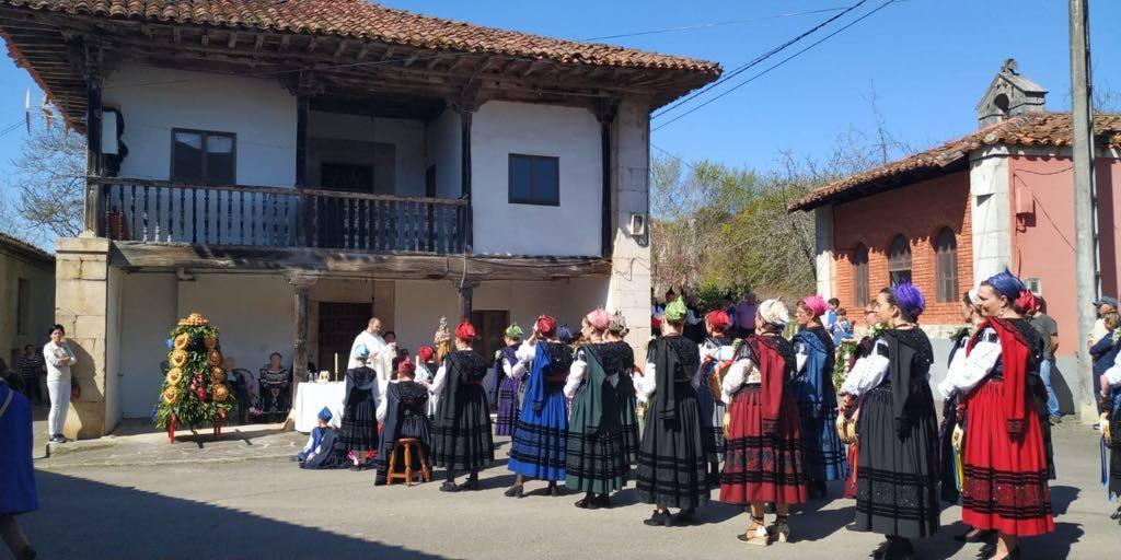 Avín (Onís) vive su día grande en honor a San José