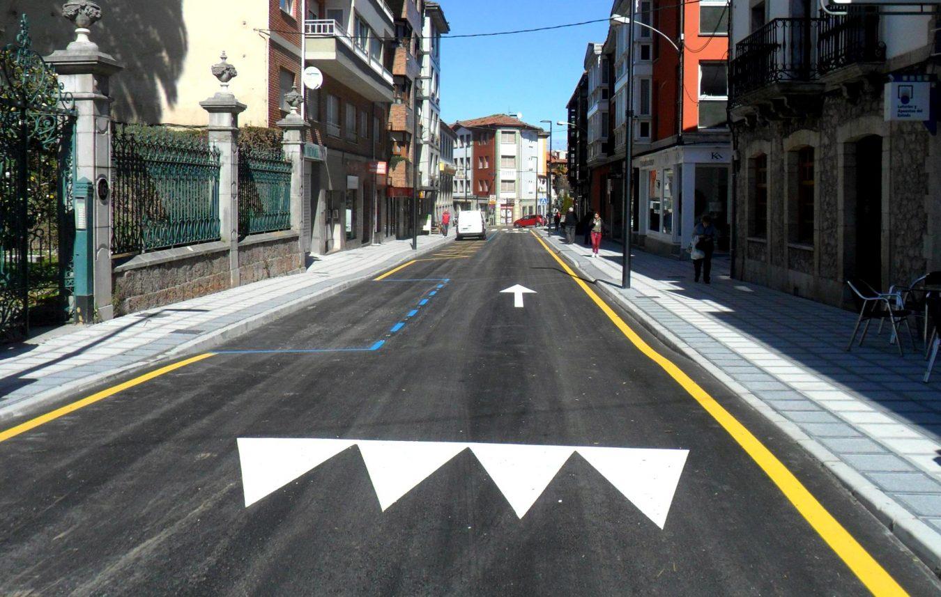 Esta tarde se abre al tráfico la calle Pidal de Llanes