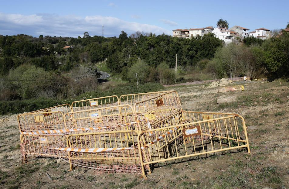 El nuevo depósito de El Fabar (Ribadesella) acumula ocho meses de retraso