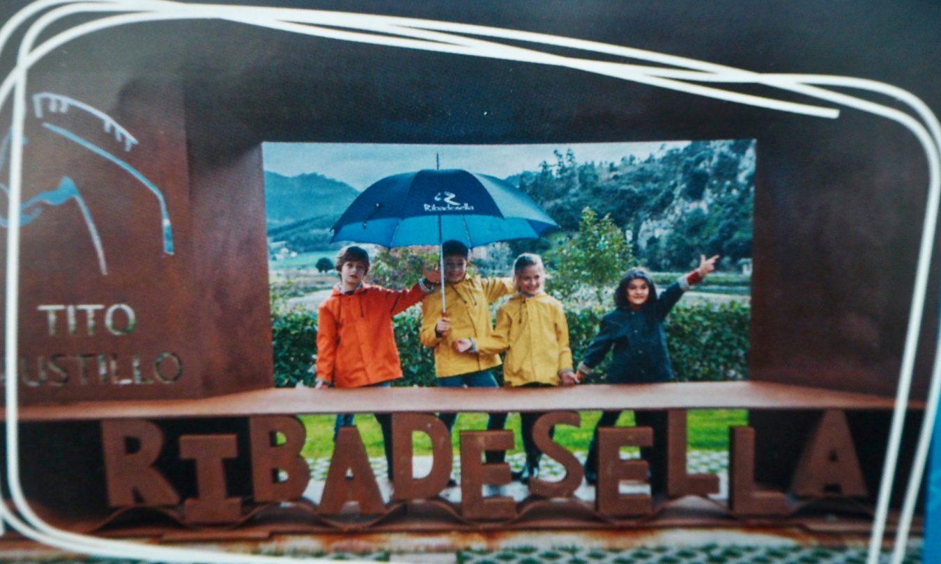 Ribadesella utiliza los tradicionales pasatiempos para fidelizar los lazos emocionales del turismo familiar