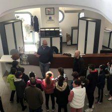 Alumnos del Colegio Público Peña Tú visitan la Oficina de Turismo de Llanes