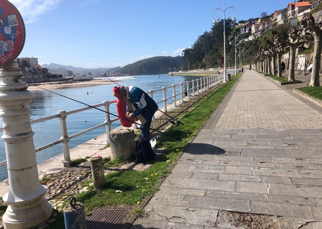 El concurso de pesca con caña del Club Náutico Arra de Ribadesella se trasladará al Paseo de la Grúa