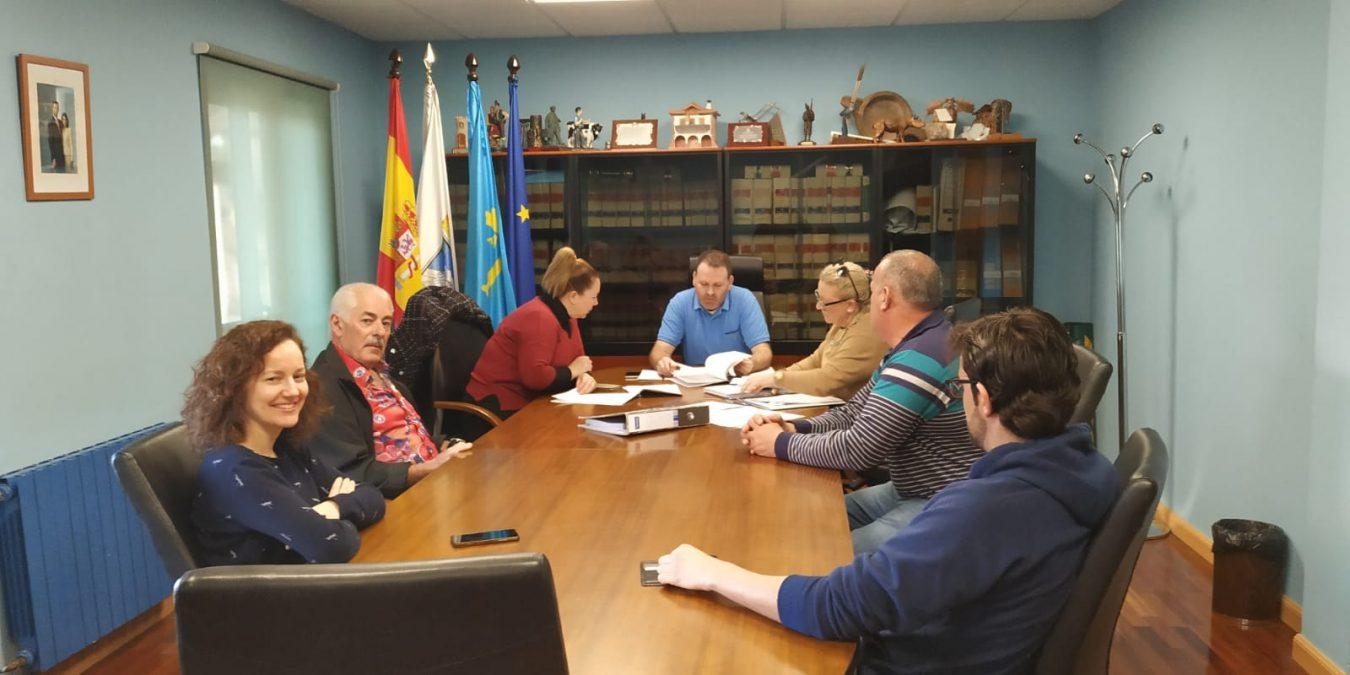 Onís aprueba en pleno el proyecto para acondicionar La Plaza de Benia