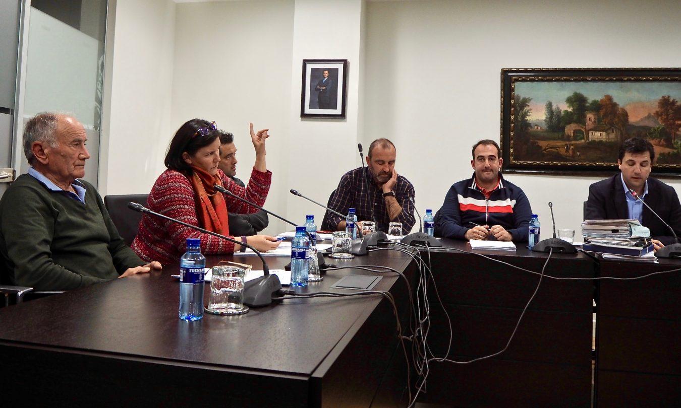 La Zona Azul de Ribadesella sale adelante con el voto en contra de Foro, PSOE y Pueblu