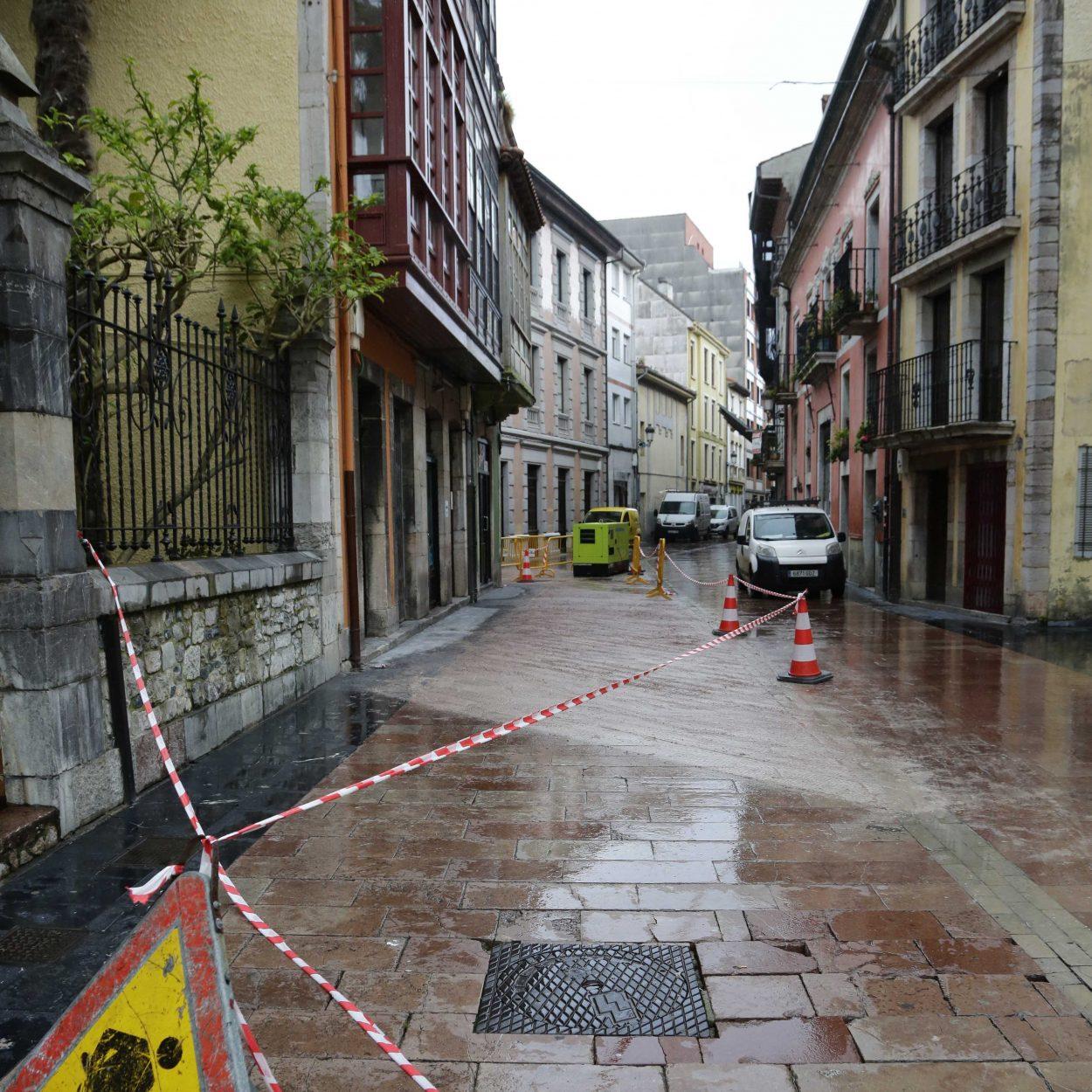 El rayado del pavimento histórico de Ribadesella estará listo en dos semanas