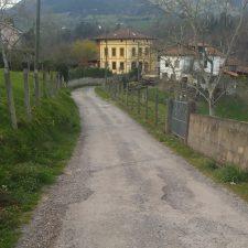 Piloña licita obras para la mejora de caminos en Sevares y Ligüeria por un importe de 79.000 euros